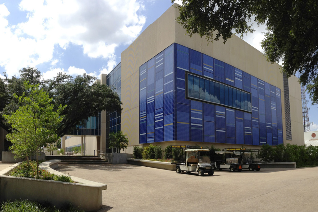 The Science Learning Center at the University of Texas, Dallas. The tile exterior represents two scientific patterns atomic emission spectra of gases, and human DNA.